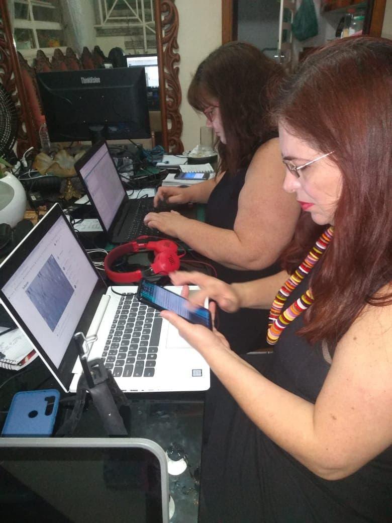 Maristela e Elaine monitorando evento nos dias 9 e 10 de outubro